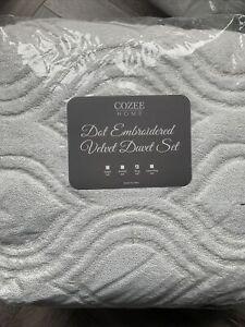 QVC Cozee Home Dot White Silver EmbroideredVelvetSoft 4 piece Duvet Set King