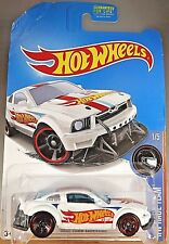 2016 Hot Wheels Kmart Exclusive HW Race Team 1/5 2005 Ford Mustang GT White