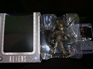 The Loyal Subjects Hot Topic Excl Aliens Metallic Brown Xenomorph 1:24 *CHASE*