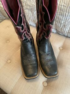 Ariat Black & Pink womens western boots size 8 square toe. Excellent