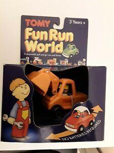 VINTAGE 1991 - TOMY FUN RUN WORLD - DIGGER & DRIVER - NEW