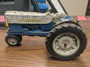 Vintage Ertl 1:16th Scale Ford Farm Tractor for Parts or Repair