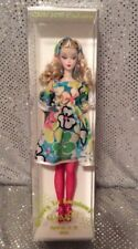 ULTRA RARE 2015 GROOVY IN LONDON GAW CONVENTION SILKSTONE BARBIE LIMITED TO 275