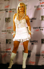 A Britney Spears Nice Outfit With White Boots 8x10 Picture Celebrity Print