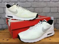 NIKE AIR MAX MENS UK 8 EU 42.5 TAVAS WHITE BLACK GREY TRAINERS RRP £60 LG