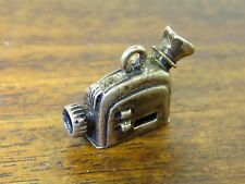 Vintage silver HOLLYWOOD CALIFORNIA BEAU MOVIE FILM CAMERA charm RARE BEAUCRAFT