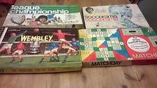 Colección de cuatro fútbol relacionadas con los juegos de mesa