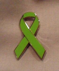 ***NEW*** Glaucoma green awareness ribbon enamel badge / brooch. Charity