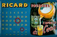 RICARD PASTIS calendrier en travers Pancarte en tôle SIGNE EN MÉTAL 3D EN RELIEF