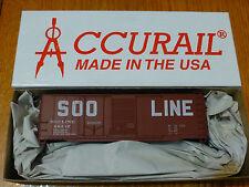 Accurail Ho #3802 (40' Comb Dr. Steel Box) Soo Line
