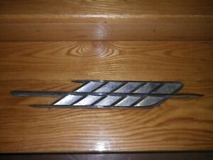 1962 Ford Falcon Futura fender trim C2DB-16C098-B right side (RARE)