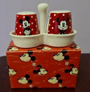 Walt Disney Mickey And Minnie Mouse Salt And Pepper Set With Holder.
