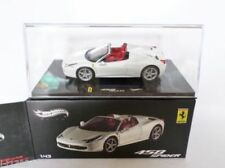 Véhicules miniatures blancs Hot Wheels 1:43