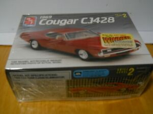 AMT Ertl 1969 Cougar CJ428 Red model kit sealed new Car 1:25