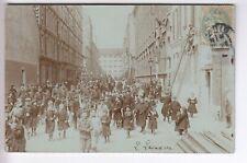 CPA  PARIS 75  -  GREVE STRIKE CAVALIERS ARMEE POLICE VELO ENFANTS N.S 1900 ~D27