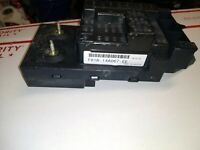 2000 -01 Ford Excursion / F250 / F350 Inner Fuse Relay Box F81B-14A067-EE