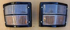 FITS DATSUN NISSAN URVAN E20 MODEL 1971 83 FRONT CORNER TURN LIGHTS PAIR L R