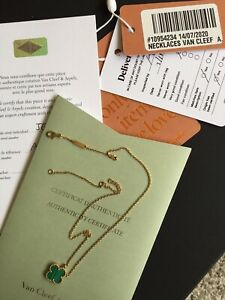 Authentic Van Cleef Arpels Vintage Alhambra Malachite Necklace 18K YG