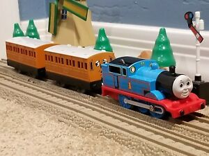 "TOMY Trackmaster Thomas & Friends ""THOMAS ANNIE CLARABEL"" WORKING Train Set"