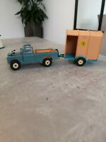 Britains 9676 LWB LAND ROVER Farm Vehicle with horsebox. RARE