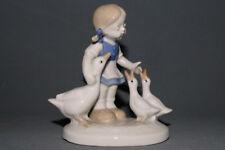Wagner & Apel GDR Thüringen, Porzellanfigur, Mädchen mit Gänsen, 10,5 cm