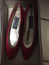 Bandolino Vintage Red Heels 6.5 Never Worn