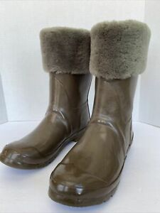 australian LUXE Collection UGG Size 8 Rubber Duck Snow Fur Lined Gray Boot