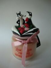 Warner Brothers Studio Store PEPE LE PEW & PENELOPE Rose Scented Candle Jar NEW