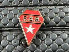 PINS PIN BADGE SPORT FOOT OU RUGBY ?