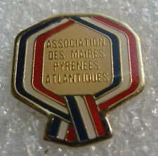 Pin's Association des Maires des Pyrénnées Atlantique #334