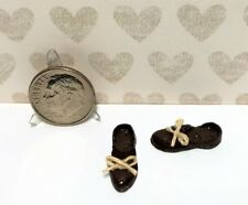 Dollhouse Miniature Shoes - Men's Bedroom Slippers With or Without Bow 1:12