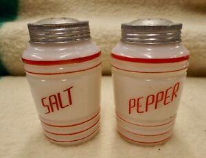 VINTAGE MILK GLASS SALT & PEPPER RED BAND RIBBED BEEHIVE SHAKER
