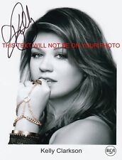 KELLY CLARKSON SIGNED AUTOGRAPH 8X10 RPT PHOTO GREAT PERFORMER