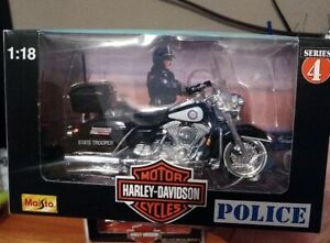 1998 Harley Davidson Virginia State Police Maisto 1/18 Diecast Motorcycle 4