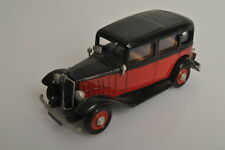 J781 l'Automobiliste/ESDO 1:43 1933 Renault Vivaquatre KZ11 G7 Taxi A/-