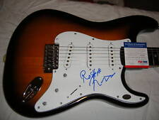 ROBBIE ROBERTSON SIGNED fender GUITAR THE BAND PSA/DNA3