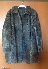 Cappotto pelliccia di Astrakan grigia usata e vintage