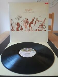 Genesis - A Trick of the Tail. LP  B  3 A  6 .Large Hatter, CDS4001