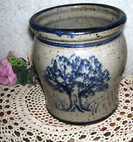 POTTERY CROCK GRAY W/ BLUE BY ROGER YOUNG 1994