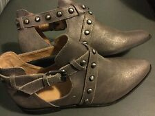 Corso Como Doon Women's Pewter Metallic Leather Studded Ankle Booties Shoes 8.5