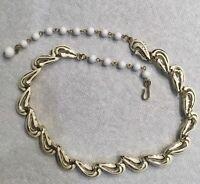 Vintage Coro Gold Tone White Enameled Ivy Leaf Link Choker Necklace Q56