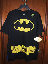 NEW Batman GLOW IN THE DARK T-Shirt with Removable Cape Mens Large Black/Blue