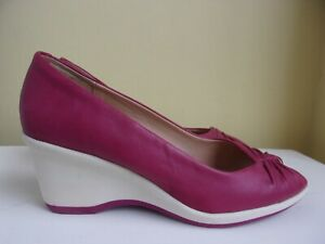 Footglove size 4 fuchsia pink and ivory leather shoes from Marks and Spencer.