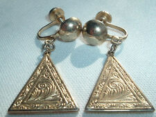 VINTAGE MARINO ETCHED GOLDTONE TRIANGLE DANGLE DROP SCREW EARRINGS IN GIFT BOX