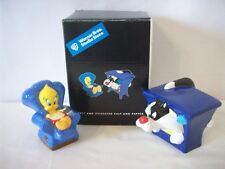 Sylvester & Tweety Watching Television Salt & Pepper Shakers Mib #D1198