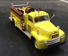 FIRST GEAR 1957 International R-190 Fire Truck Engine Company No.1 yellow 1:34