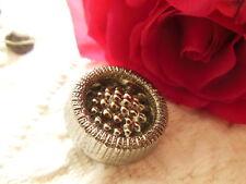 ancien bouton vintage en verre argenté haut coeur perlé 2,1 cm D11Q