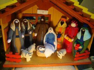 Newly hand knitted Christmas Xmas nativity scene 1
