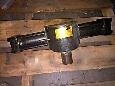 Parker HTR22-180-ax91-C24 2000 PSI Rotary Actuator BMA06006-1 Large 180 degree