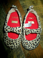 NWOT Carters Leopard print crib shoes Infant Girls Size 6-9 Months